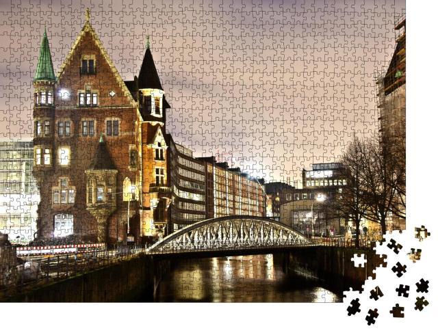 """Puzzle 1000 Teile """"Historische Speicherstadt bei Nacht, Hamburg"""""""