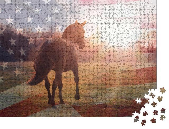 """Puzzle 1000 Teile """"Porträt eines amerikanischen Quarter-Pferdes mit der Flagge der USA"""""""