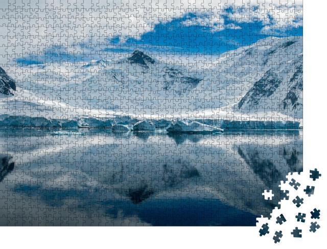 """Puzzle 1000 Teile """"Bizarre Landschaft der Antarktis"""""""