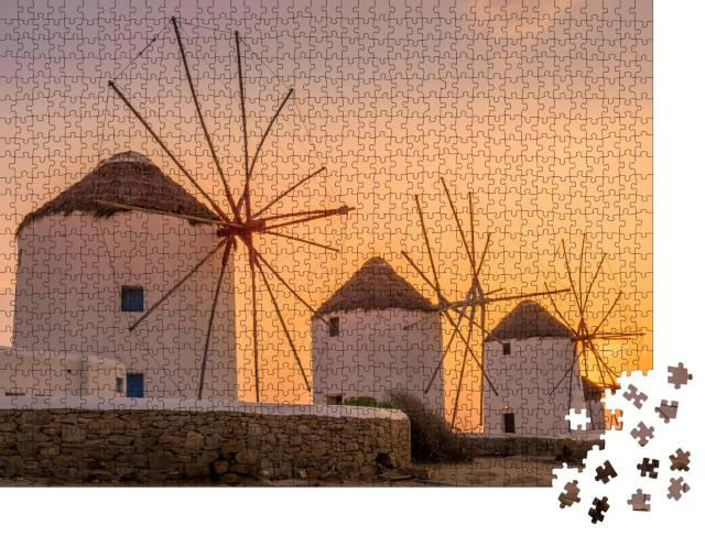 """Puzzle 1000 Teile """"Sonnenuntergang: Blick auf die traditionellen griechischen Windmühlen in Mykonos"""""""