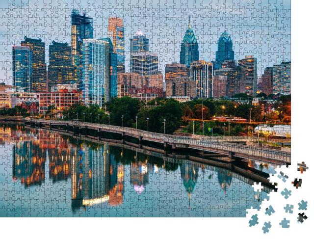 """Puzzle 1000 Teile """"Skyline von Philadelphia bei Nacht mit Fluss Schuylkill"""""""