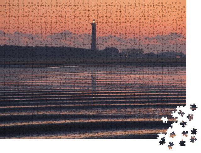 """Puzzle 1000 Teile """"Leuchtturm von Norderney bei Sonnenaufgang"""""""