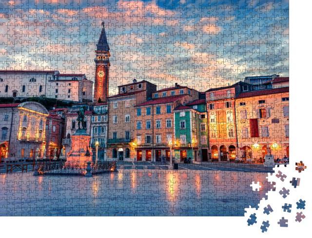 """Puzzle 1000 Teile """"Spektakuläre Abendansicht des Tartini-Platzes in der Altstadt von Piran,  Slowenien"""""""