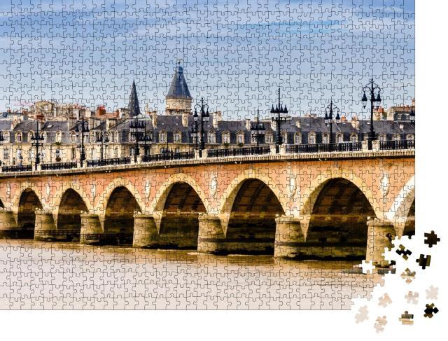 """Puzzle 1000 Teile """"Brücke und Stadtbild von Bordeaux, Frankreich"""""""