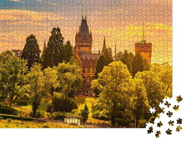 """Puzzle 1000 Teile """"Malerischer Sonnenuntergang am Schloss Drachenburg, Königswinter am Rhein"""""""