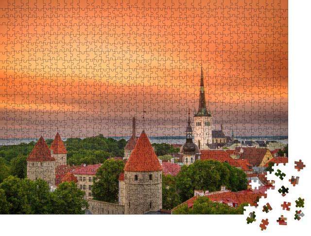 """Puzzle 1000 Teile """"Ikonische Ansicht der Stadt Tallinn, Estland"""""""