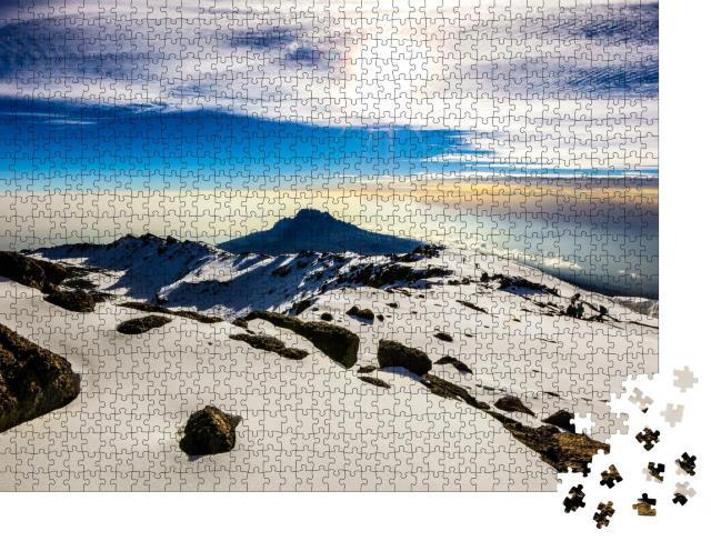 """Puzzle 1000 Teile """"Schnee, Eis und Gletscher auf dem Gipfel des Kilimandscharo"""""""