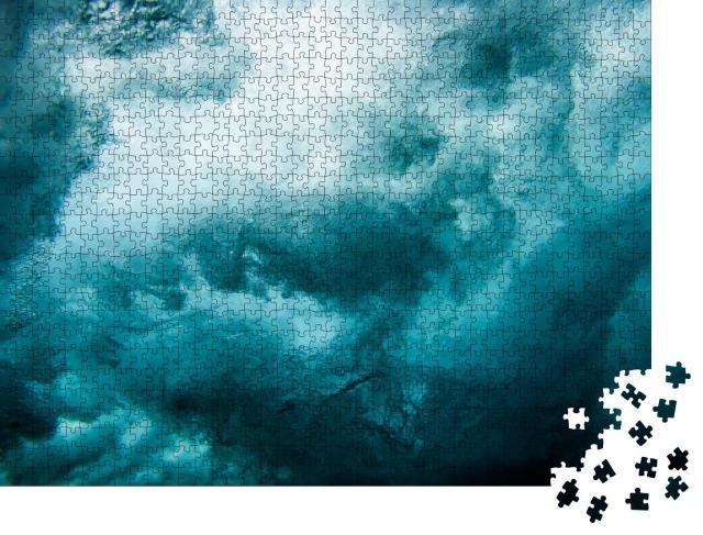 """Puzzle 1000 Teile """"Welle unter blauem Wasser"""""""