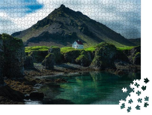 """Puzzle 1000 Teile """"Einzigartige Landschaft von Arnarstapi, ein Dorf in Island"""""""