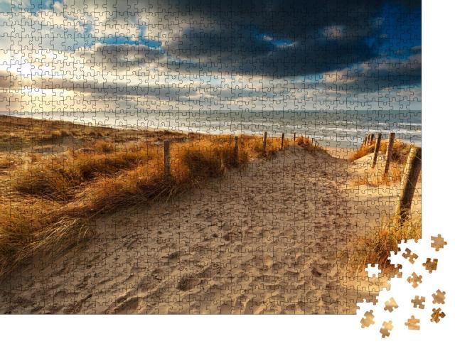 """Puzzle 1000 Teile """"Sonnenuntergang über Sandweg zur Nordsee, Holland"""""""
