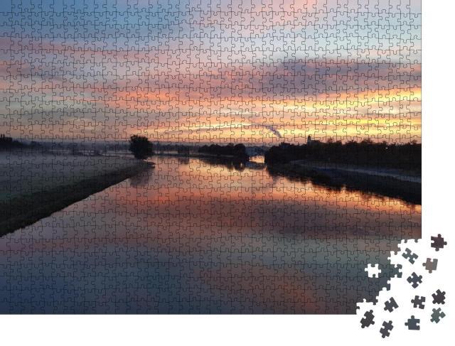 """Puzzle 1000 Teile """"Sonnenaufgang in Dresden, Blick über die Elbe in der Morgensonne"""""""