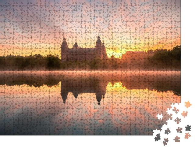 """Puzzle 1000 Teile """"Morgennebel über der Johannisburg in Aschaffenburg, Deutschland"""""""