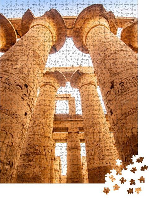 """Puzzle 1000 Teile """"Karnak Tempel: Säulen und antike Symbole im berühmten Wahrzeichen, Ägypten"""""""