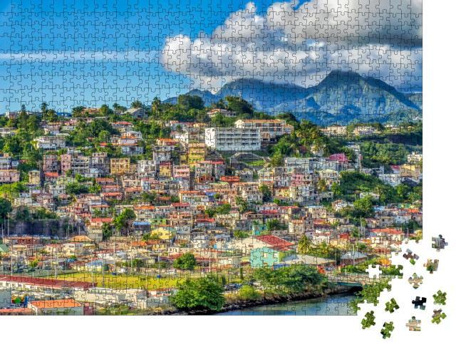 """Puzzle 1000 Teile """"Häuser an Hängen in Fort-de-France, Hauptstadt von Martinique, Frankreich"""""""