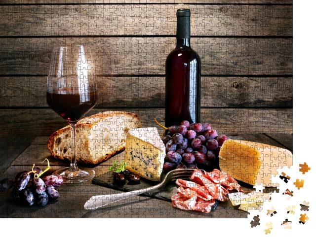 """Puzzle 1000 Teile """"Italienische Lebensart mit Rotwein, Käse und Schinken auf rustikalem Holztisch"""""""