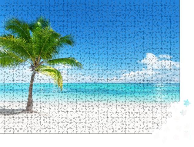 """Puzzle 1000 Teile """"Paradiesischer Strand mit Palme an der Küste der Dominikanischen Republik"""""""