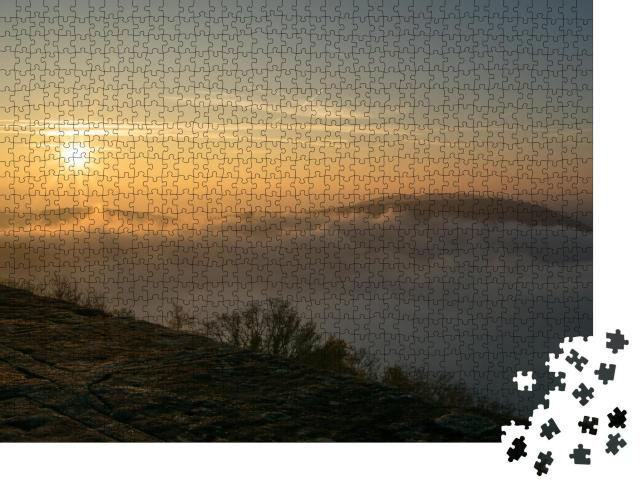 """Puzzle 1000 Teile """"Inversionswetterlage am Edersee mit Sonnenaufgang"""""""