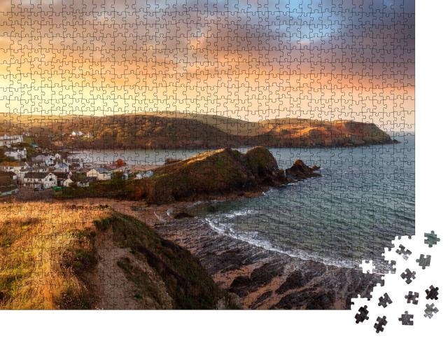 """Puzzle 1000 Teile """"Hope Cove, ein Küstendprf in Devon, England"""""""
