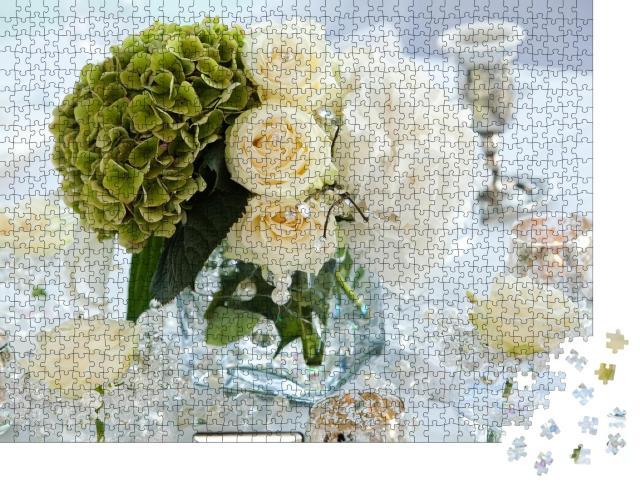 """Puzzle 1000 Teile """"Tischdekoration mit Blumen, Tischnummern und Kerzen"""""""