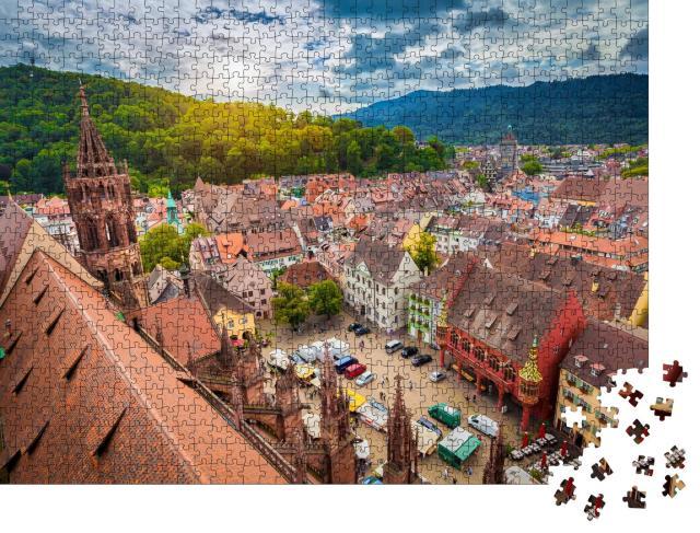 """Puzzle 1000 Teile """"Historisches Zentrum von Freiburg aus der Luft, Münster im Abendlicht"""""""