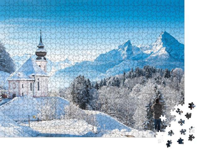 """Puzzle 1000 Teile """"Winterliche Wallfahrtskirche Maria Gern vor dem Watzmann, Deutschland"""""""