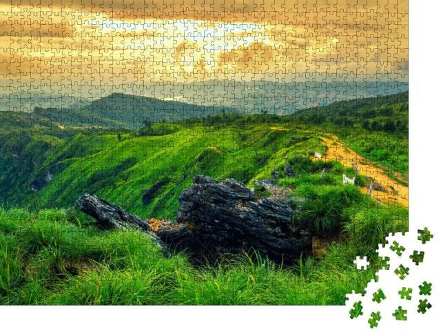"Puzzle 1000 Teile ""Wunderschönes Berggebiet Phu Chi Fa, Laos"""