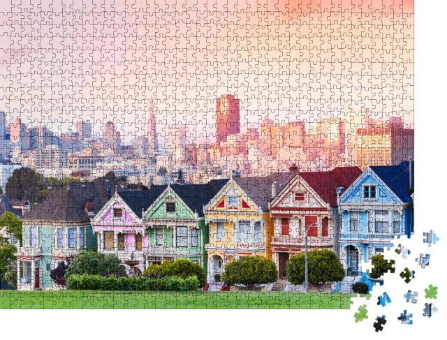 """Puzzle 1000 Teile """"Painted Ladies vor der abendlichen Skyline von San Francisco"""""""