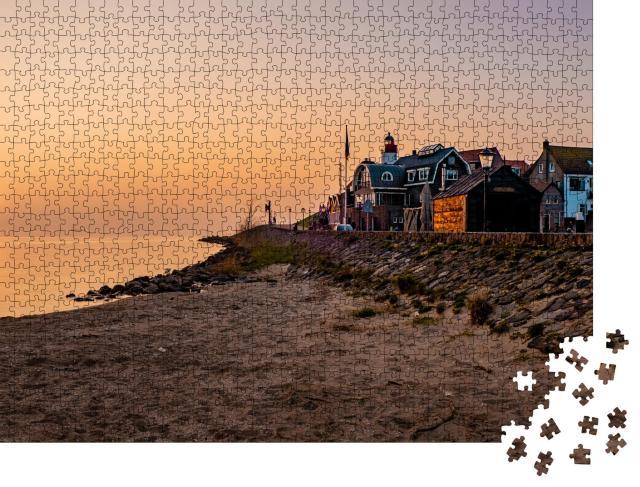 """Puzzle 1000 Teile """"Hafen und Strand von Urk im Sonnenuntergang, Niederlande"""""""