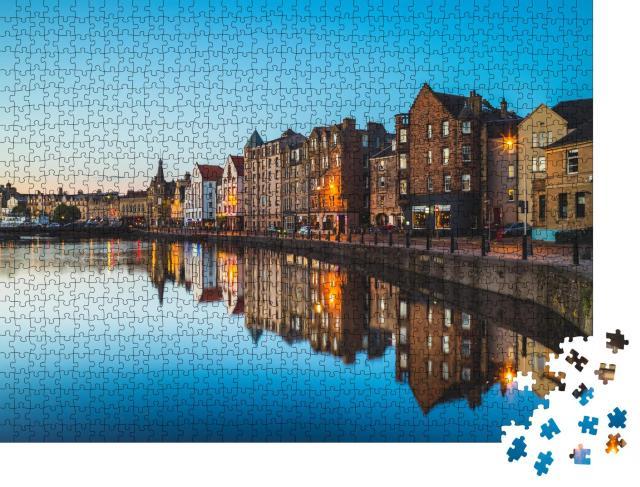 """Puzzle 1000 Teile """"Nachtansicht von Leith bei Edinburgh, Schottland"""""""