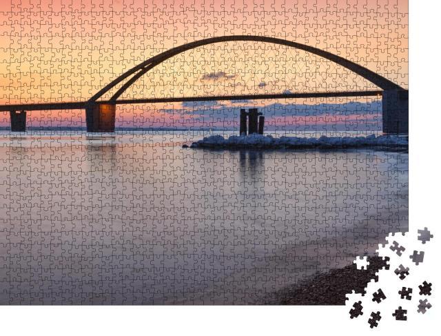 """Puzzle 1000 Teile """"Fehmarnsundbrücke im schönen Sonnenuntergang"""""""