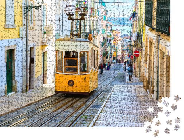 """Puzzle 1000 Teile """"Straßenbahn an einem Hügel in der Stadt Lissabon, Portugal"""""""