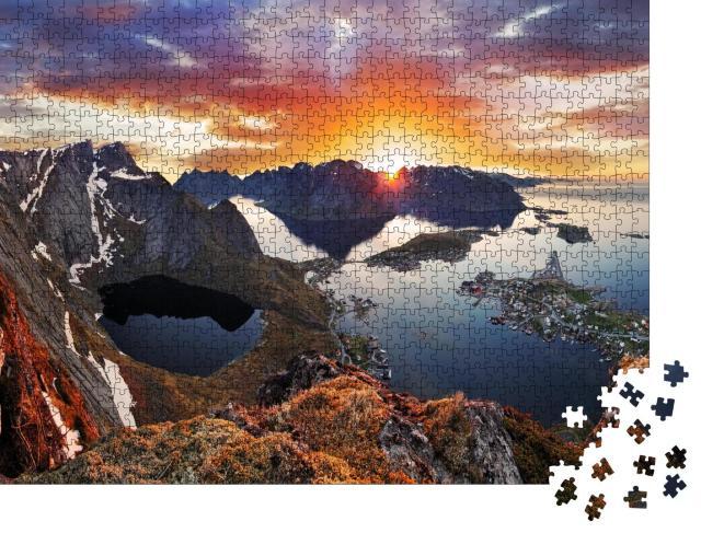 """Puzzle 1000 Teile """"Bergküstenlandschaft bei Sonnenuntergang, Norwegen"""""""