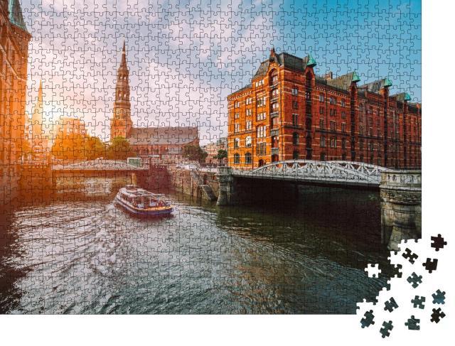 """Puzzle 1000 Teile """"Speicherstadt Hamburg im goldenen Sonnenuntergang"""""""