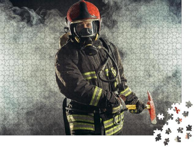 """Puzzle 1000 Teile """"Porträtstudie: Feuerwehrmann"""""""