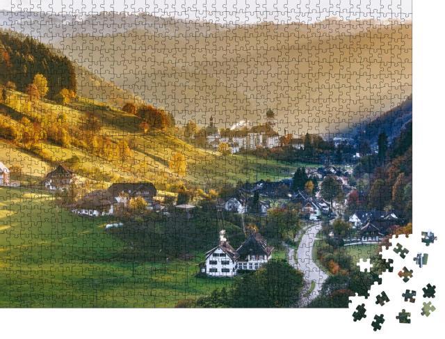 """Puzzle 1000 Teile """"Traditionelle Häuser: Panorma vom Münstertal im Schwarzwald, Deutschland"""""""