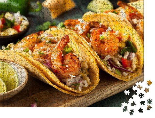 """Puzzle 1000 Teile """"Hausgemachte scharfe Shrimp-Tacos mit Krautsalat und Salsa"""""""