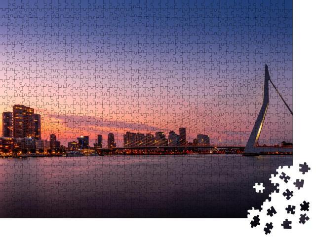 """Puzzle 1000 Teile """"Stadtbild mit Erasmusbrug: Skyline von Rotterdam, Niederlande"""""""