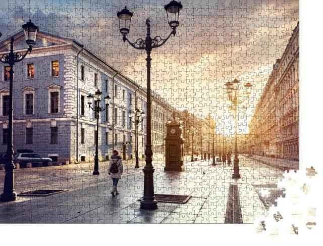 """Puzzle 1000 Teile """"Frau auf einer Straße mit Laternen, Sank. Petersburg, Russland"""""""
