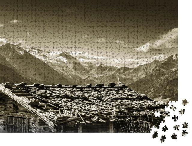 """Puzzle 1000 Teile """"Almhütte auf einen Gletscher im Zillertal, sepia"""""""