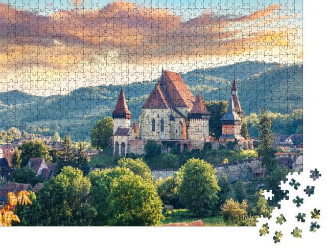 """Puzzle 1000 Teile """"Kirchenburg von Birthälm, UNESCO-Weltkulturerbe, Rumänien"""""""