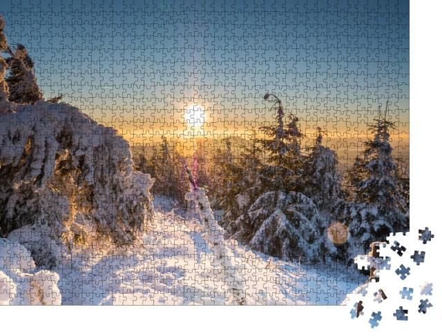 """Puzzle 1000 Teile """"Sonnenuntergang im winterlichen Erzgebirge, Deutschland"""""""