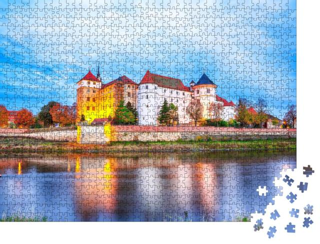 """Puzzle 1000 Teile """"Malerische Morgenansicht von Schloss Hartenfels am Elbufer"""""""