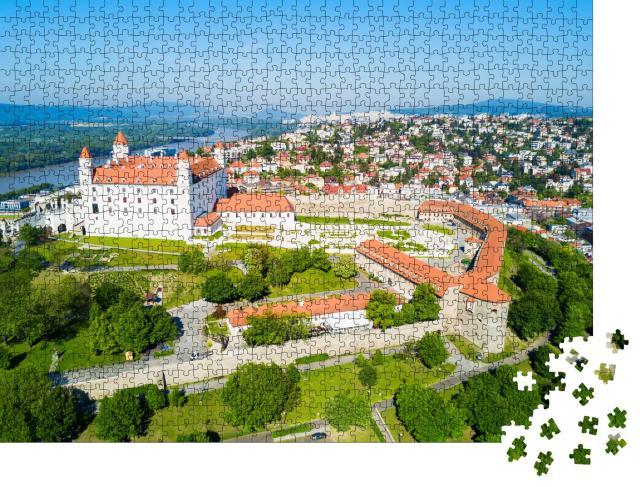 """Puzzle 1000 Teile """"Bratislava Burg in der gleichnamigen Hauptsstadt der Slowakei"""""""