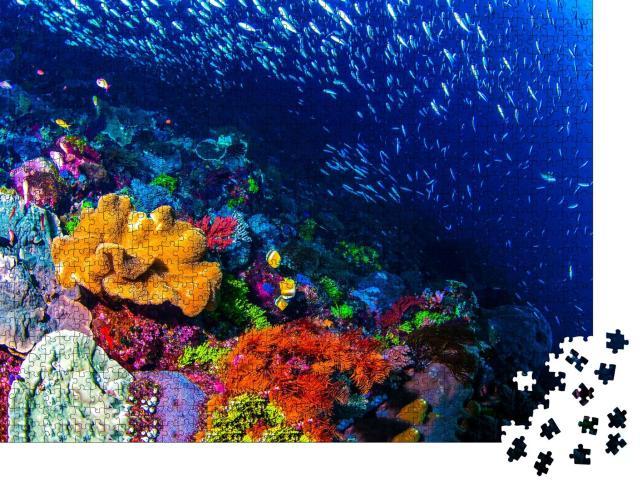 """Puzzle 1000 Teile """"Atemberaubendes buntes Korallenriff, schöne Unterwasserlandschaft"""""""