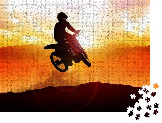 """Puzzle 1000 Teile """"Silhouette eines Motocrossbikers  beim Sprung"""""""