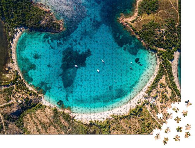 """Puzzle 1000 Teile """"Stadtbild von Zonza Stadt mit Kirche am Abend, Korsika, Frankreich"""""""