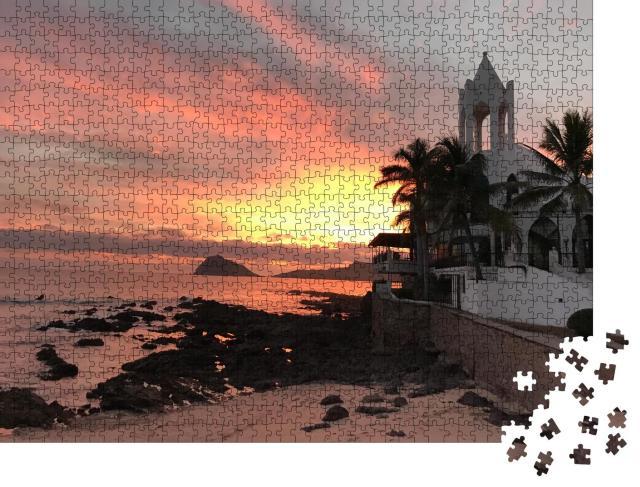 """Puzzle 1000 Teile """"Sonnenuntergang vor dem Strand von Mazatlan, Mexiko"""""""
