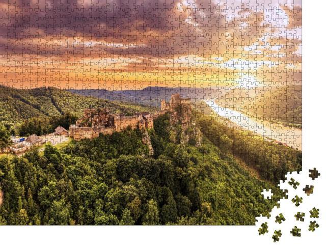 """Puzzle 1000 Teile """"Schöne Landschaft mit der Burgruine Aggstein und der Donau in Österreich"""""""