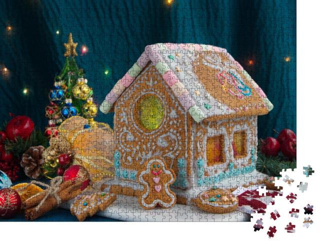 """Puzzle 1000 Teile """"Kleines Lebkuchenhaus mit weihnachtlicher Dekoration"""""""