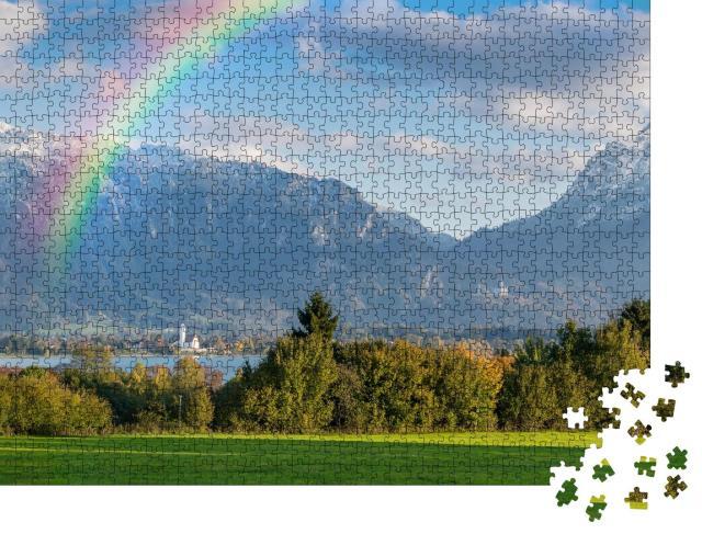 """Puzzle 1000 Teile """"Herbstliches Landschaftspanorama mit Regenbogen über dem Forggensee"""""""